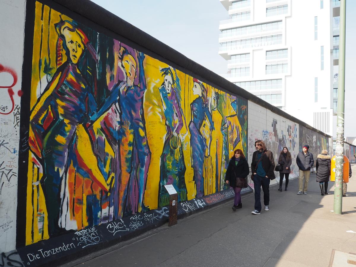 Mooie plek berlijnse muur east side gallery ensannereist - Muur van de ingang ...