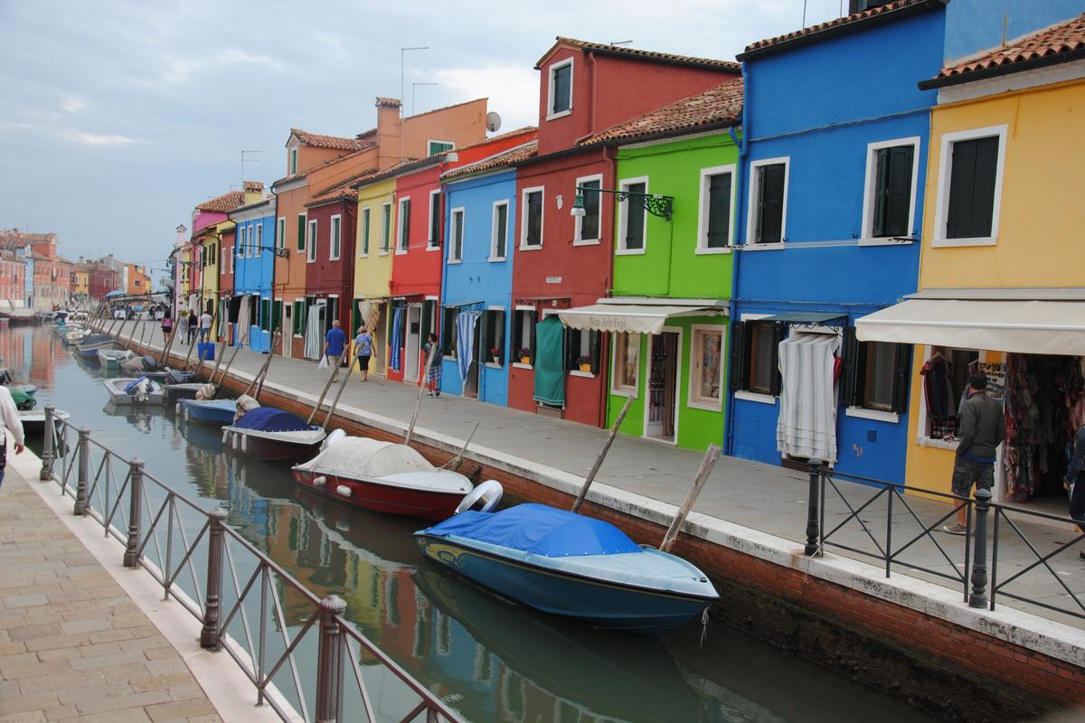 Gekleurde huizen Burano Venetie Lagune eiland