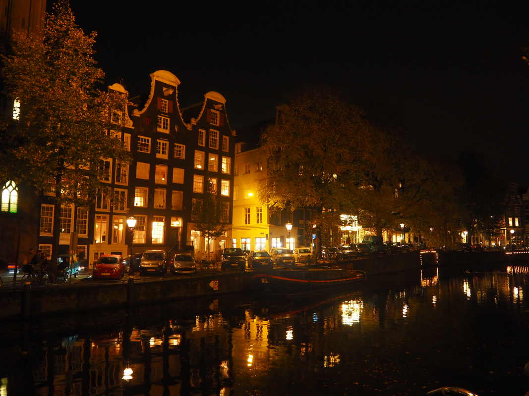 Amsterdam by night PB033913