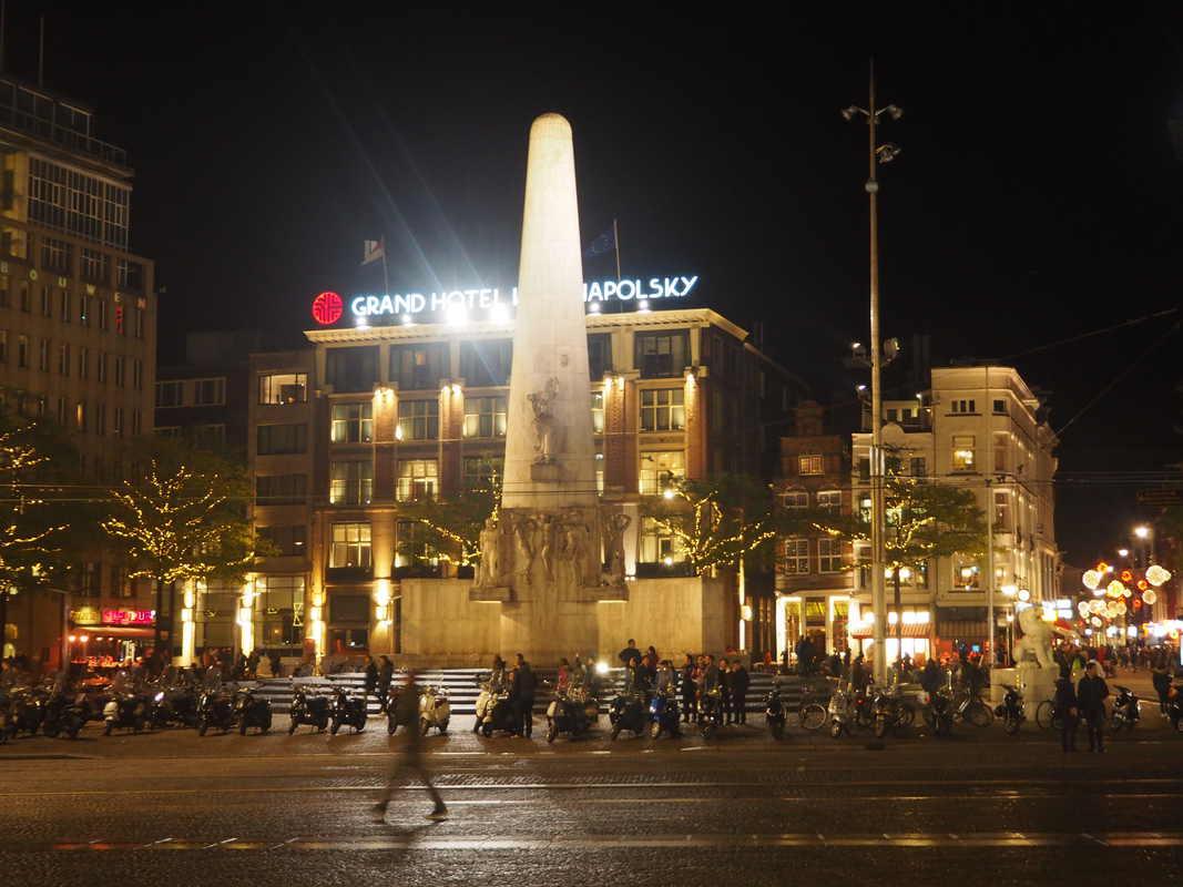 Amsterdam by night PB033952