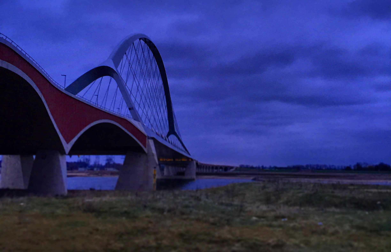 Sunset-March-Nijmegen-herdenken